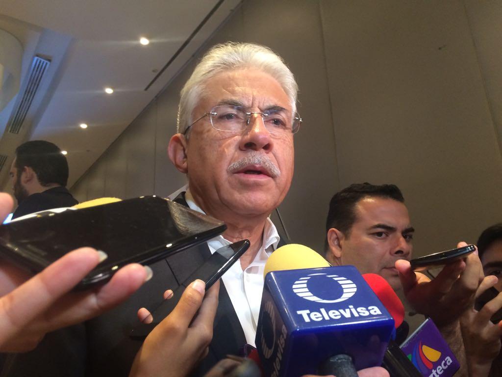 Luis Ernesto Ayala, servidor público, secretario de gobierno