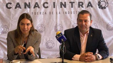 Michelle Voss y Roberto González presentan el Premio Emprendedor Canacintra