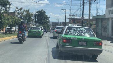Taxistas tradicionales protestan contra ejecutivos