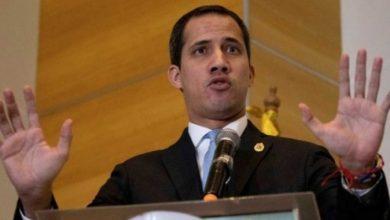 Guaidó llama a militares a derrocar a Maduro