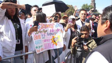 Photo of Universitarios marchan para exigir seguridad en Puebla