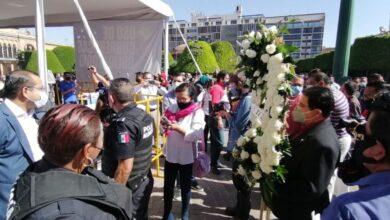 Photo of Al grito de 'ya basta', abogados claman justicia por asesinato de colega