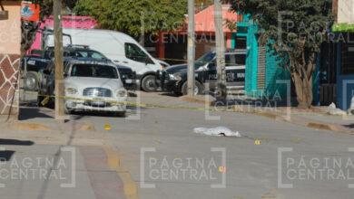 Photo of Hombre queda tendido en plena calle tras ser atacado a balazos